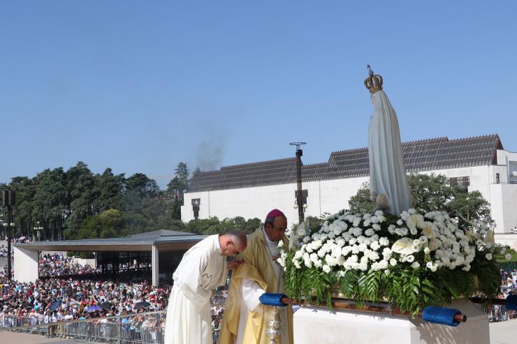Papa celebra Missa em português