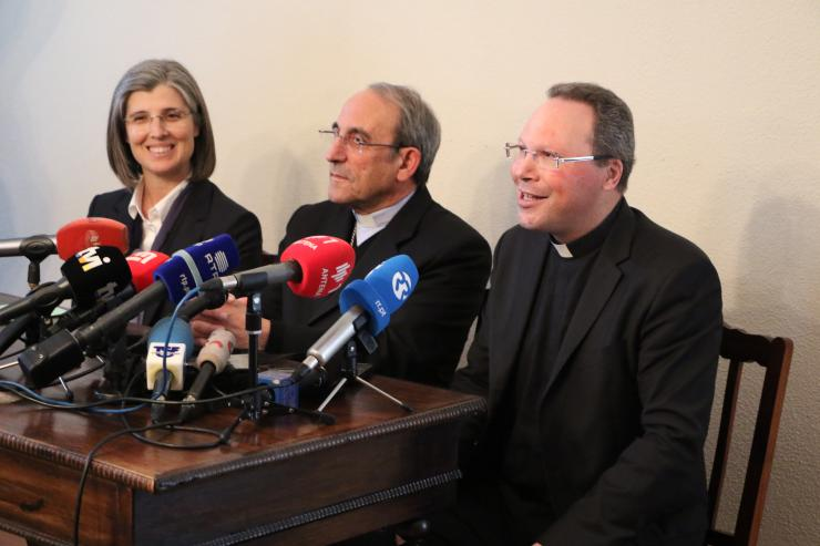 """Canonization: The Rector of the Shrine of Fatima Received the News with """"a great joy"""""""
