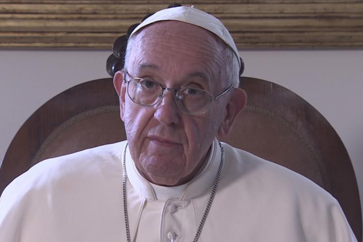 Papa usa Twitter para pedir que se unam a ele em oração em Fátima
