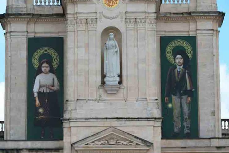 Francisco e Jacinta são santos